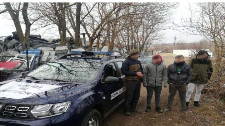 Троих граждан Турции и молдаванина-проводника задержали на соседней границе