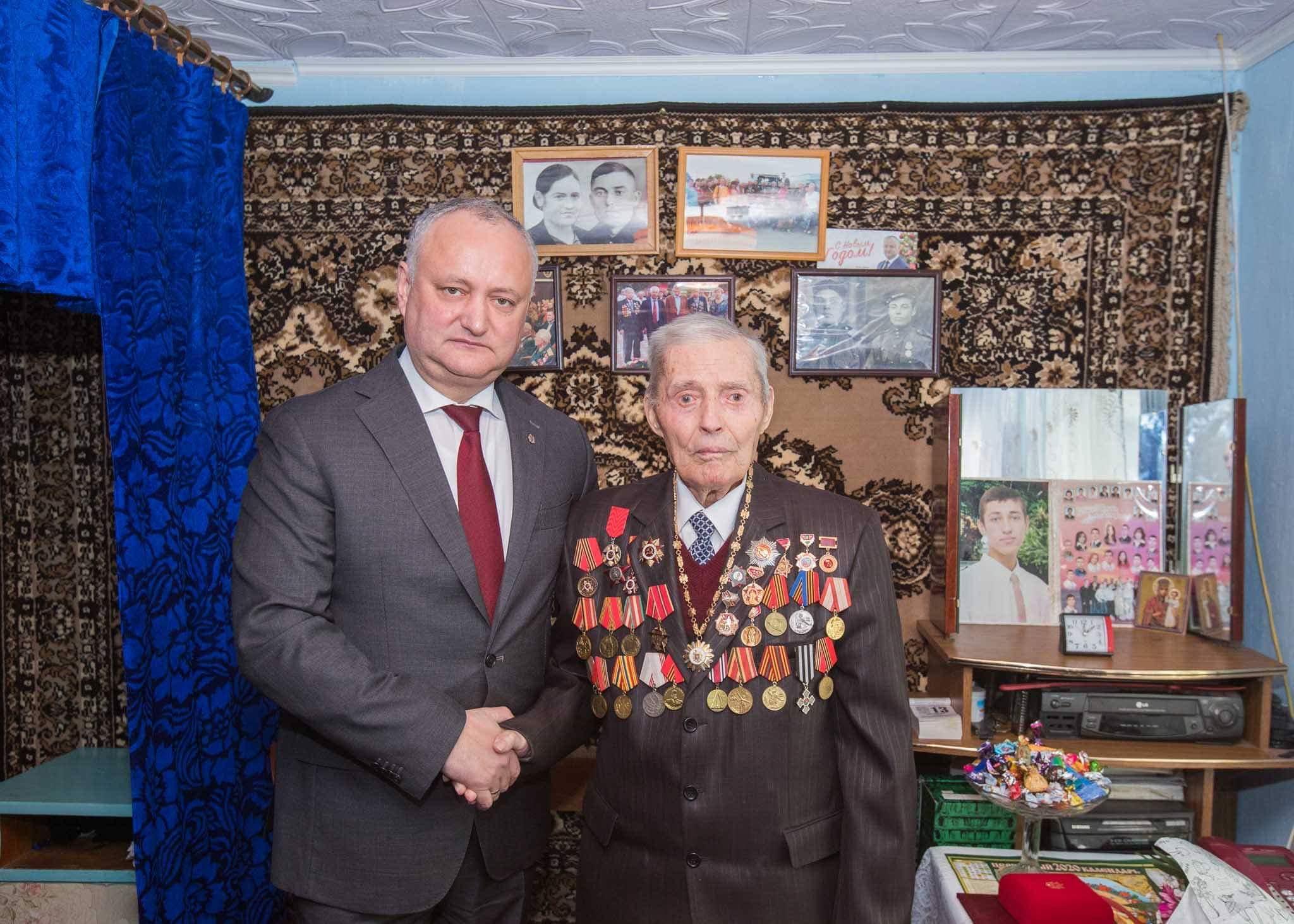 Президент наградил Орденом Республики еще одного ветерана ВОВ (ФОТО)