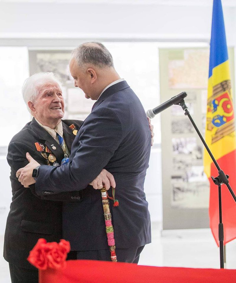 Додон: Сохранение священной памяти о Победе – то, что объединяло и будет объединять наши народы (ФОТО)