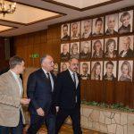 Президент посетил театр Чехова и заверил коллектив в своей поддержке (ФОТО, ВИДЕО)