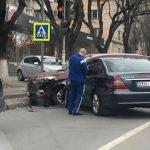 На Ботанике столкнулись два автомобиля (ФОТО, ВИДЕО)