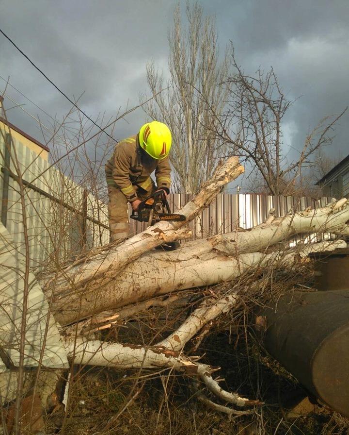 За последние сутки спасатели приняли более 80 вызовов (ФОТО)
