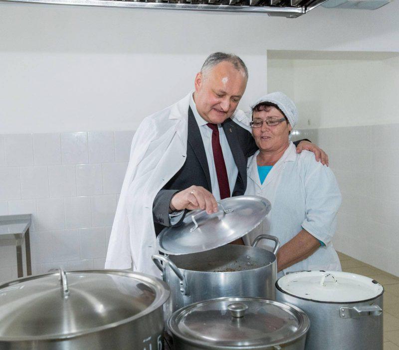 Президент оказал помощь образовательным учреждениям Хынчештского района (ФОТО)