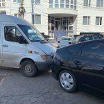 Три автомобиля попали в ДТП в центре столицы (ФОТО, ВИДЕО)