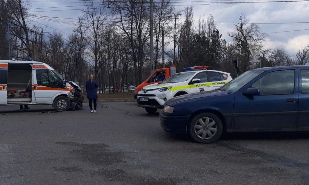 Утренняя авария на Скулянке: 5 человек получили травмы