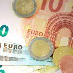 Курс на конец недели: евро остаётся неизменным