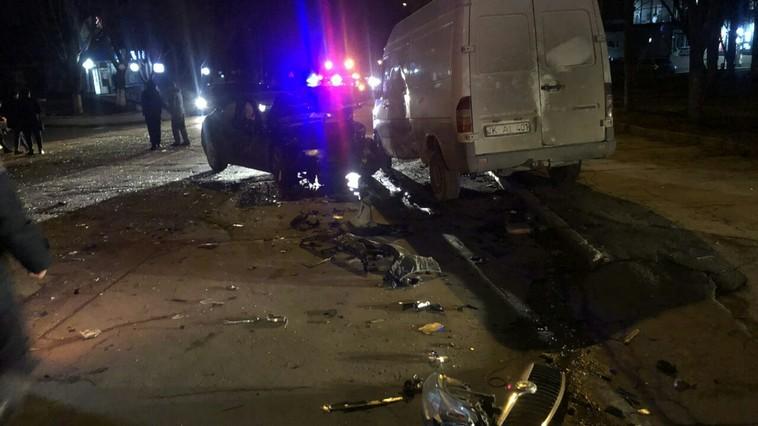 Ночное ДТП в столице: столкнулись четыре автомобиля, один человек в тяжёлом состоянии (ФОТО)