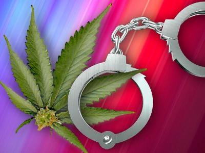"""Двое бывших осуждённых вновь окажутся за решёткой за """"бизнес"""" на марихуане"""