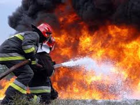 Пожарные за сутки ликвидировали 60 очагов возгорания сухой травы
