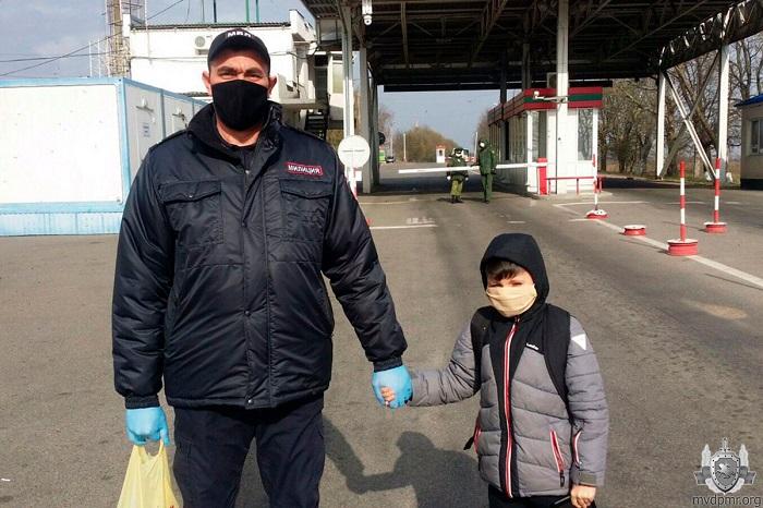 8-летнему мальчику из Кишинёва помогли вернуться домой из Тирасполя