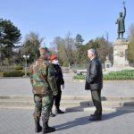 Военные помогают следить за порядком на улицах во время пандемии (ФОТО)