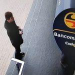 Кража денег у банкомата в Комрате: полиция ищет подозреваемого (ФОТО, ВИДЕО)
