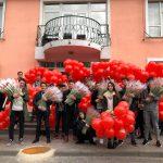 Молодогвардейцы поздравили женщин всей страны с праздником (ФОТО)
