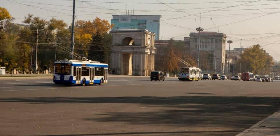 Курсирующие через Центр троллейбусы не будут останавливаться на некоторых остановках