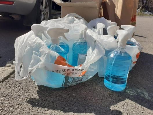 Когда коронавирус на руку: полицейские оштрафовали нелегальных торговцев масками и дезинфектантами (ФОТО)