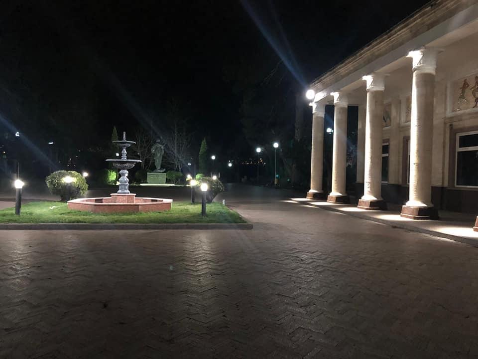 Сквер у входа в парк «Валя Морилор» приобрёл новый облик (ФОТО, ВИДЕО)