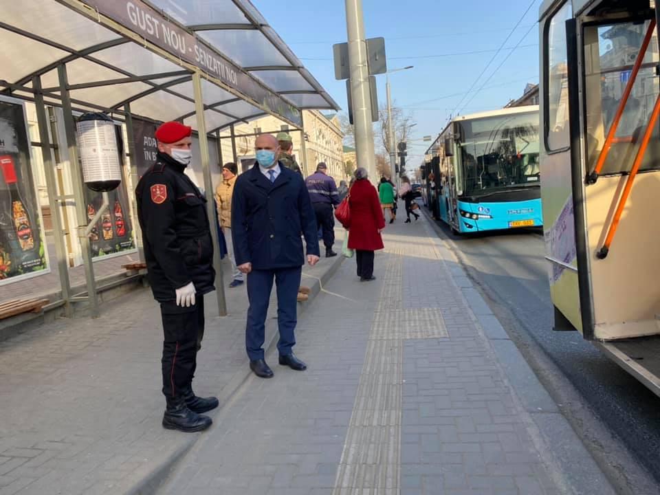 Глава МВД проверил, как в столице соблюдают меры борьбы с коронавирусом (ФОТО)