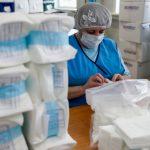 Запрет на экспорт медицинских масок продлен до 31 августа