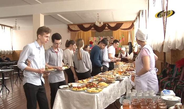 Гастрономический марафон: в бендерских школах и детсадах проходят Дни молдавской кухни