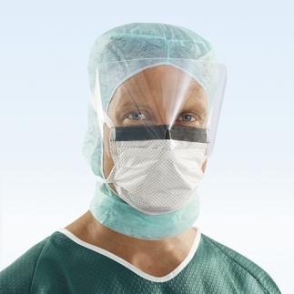 Достойный поступок! Молдавские студенты изготовили две тысячи масок с защитным экраном для врачей