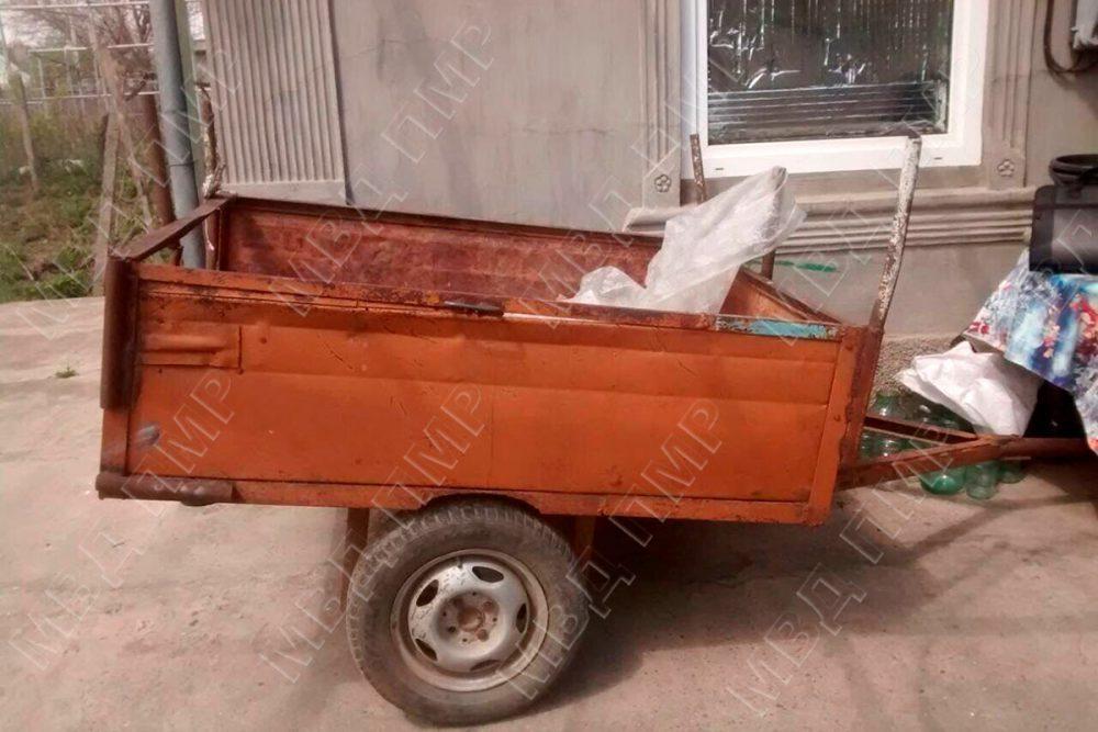 У жителя Бендер соседи украли прицеп, чтобы сдать его в металлолом (ФОТО)