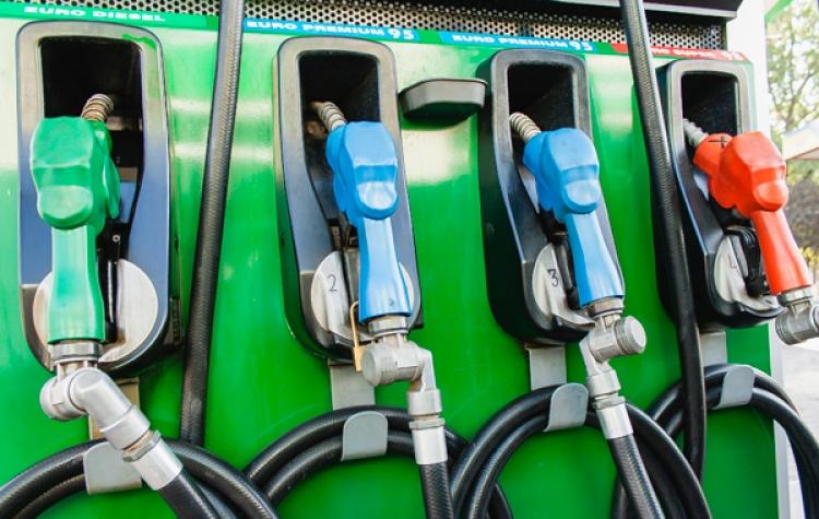Хорошая новость: топливо снова подешевело