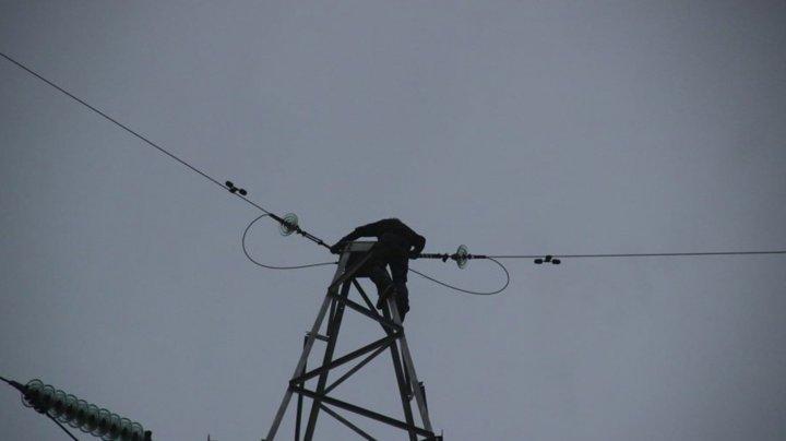 Опасная игра: подростка из Ниспорен госпитализировали после падения с электрического столба