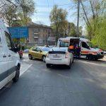Авария на Рышкановке: машины столкнулись лоб в лоб (ФОТО)