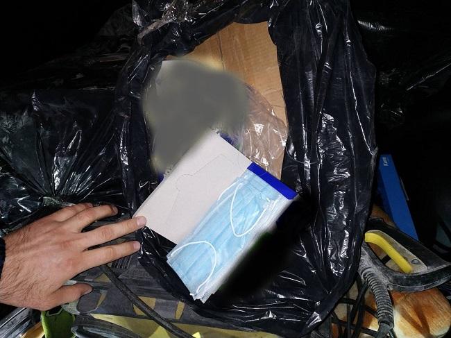 Подводная контрабанда: молдаванин пытался переправить через Прут партию масок (ФОТО)
