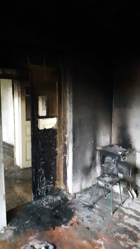 Пожар в Страшенах. Пожилую хозяйку дома удалось спасти