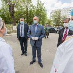 Президент обсудил с руководством Резинского района ситуацию с COVID-19 и посетил местную больницу (ФОТО)