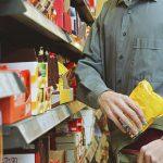Злоумышленники украли из магазина в Хынчештах продукты и алкоголь