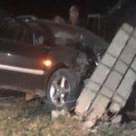 ДТП в Криулянах: водитель протаранил столб и сбежал (ФОТО)