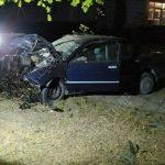 Авария в Дубоссарах: пьяный водитель врезался в дерево
