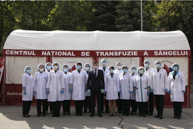 Молдавские пограничники стали донорами плазмы для пациентов с COVID-19