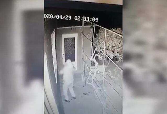 "Шок! В Леова камера видеонаблюдения ""поймала"" поджигателей дома (ВИДЕО)"