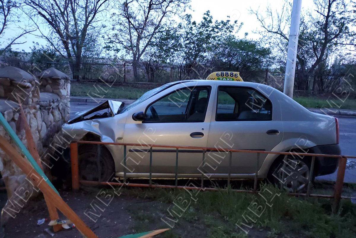"""Разбитое авто """"выдало"""" водителя, который попытался скрыть ДТП (ФОТО)"""