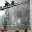 Пожар на Moldexpo потушили. С крыши здания эвакуировали два газовых баллона