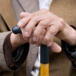 Почтальоны продолжают разносить пенсии по домам