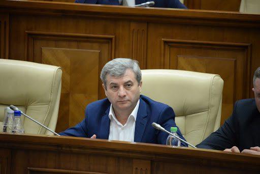 Фуркулицэ предупреждает тех, кто настаивает на досрочных выборах: Ценой ваших мандатов станет здоровье наших граждан
