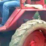 Пьяный водитель перевернулся на тракторе в Авдарме