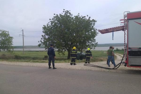 Снёс столб и устроил пожар: жуткое ДТП произошло в Тараклии (ФОТО)