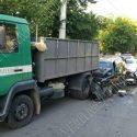 "Две легковушки ""впечатались"" в грузовик: пострадали 5 человек"