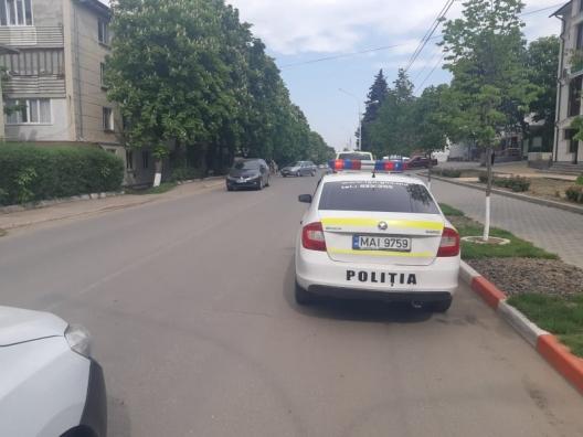 Два водителя под наркотиками оказали сопротивление столичным полицейским (ВИДЕО)