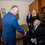Президент побывал в гостях у ветерана ВОВ и вручил ему высшую награду государства (ФОТО, ВИДЕО)