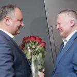 Игорь Додон поздравил Анатолия Карпова с днём рождения