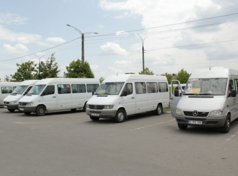 С 1 июня три микроавтобуса меняют маршруты