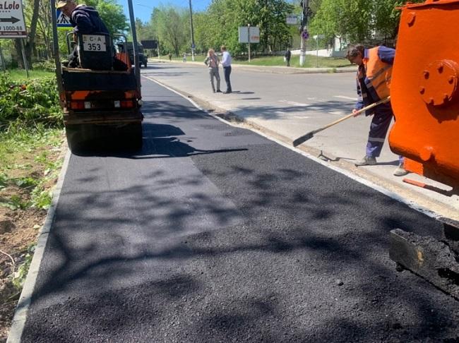 Не латание дыр, а комплексный ремонт: на улице Тестемицану проводятся работы по реабилитации тротуаров (ФОТО)