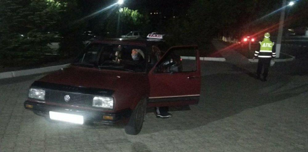 Выпил и сел за руль: автоинспекторы поймали пьяного водителя такси