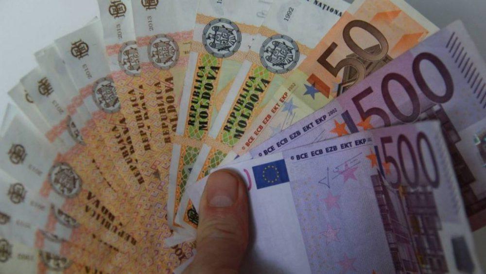 Узнайте, сколько будут стоить основные валюты во вторник